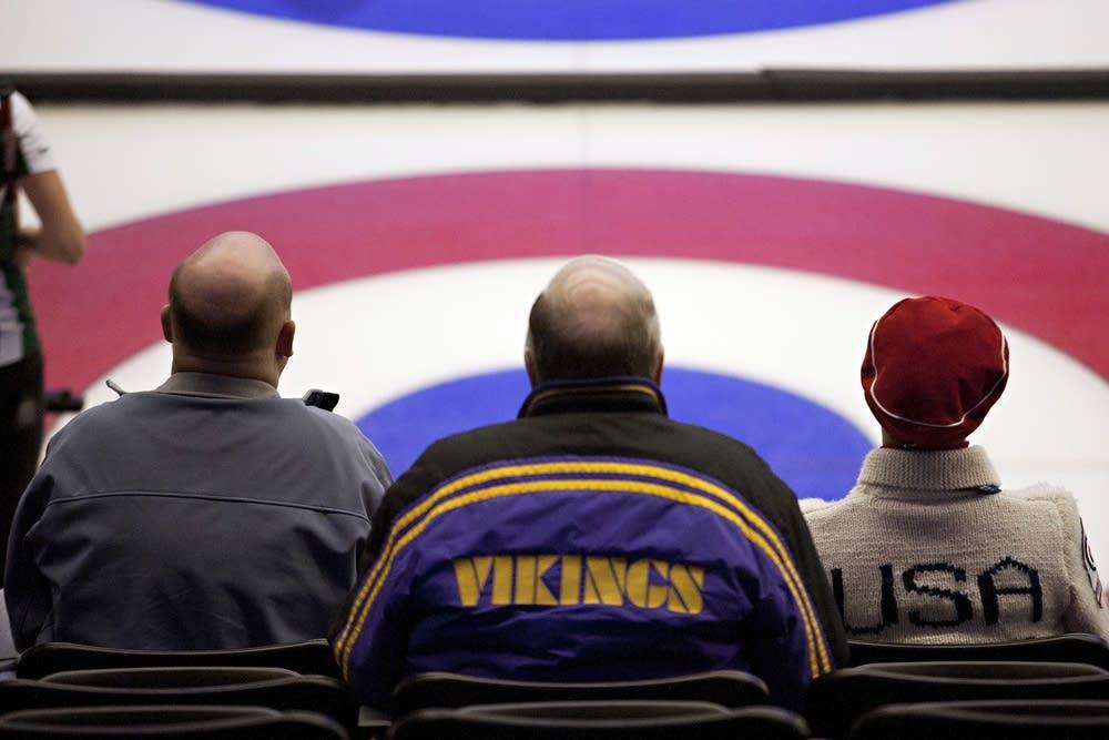 Curling fans