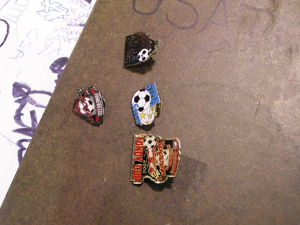 Trading pins
