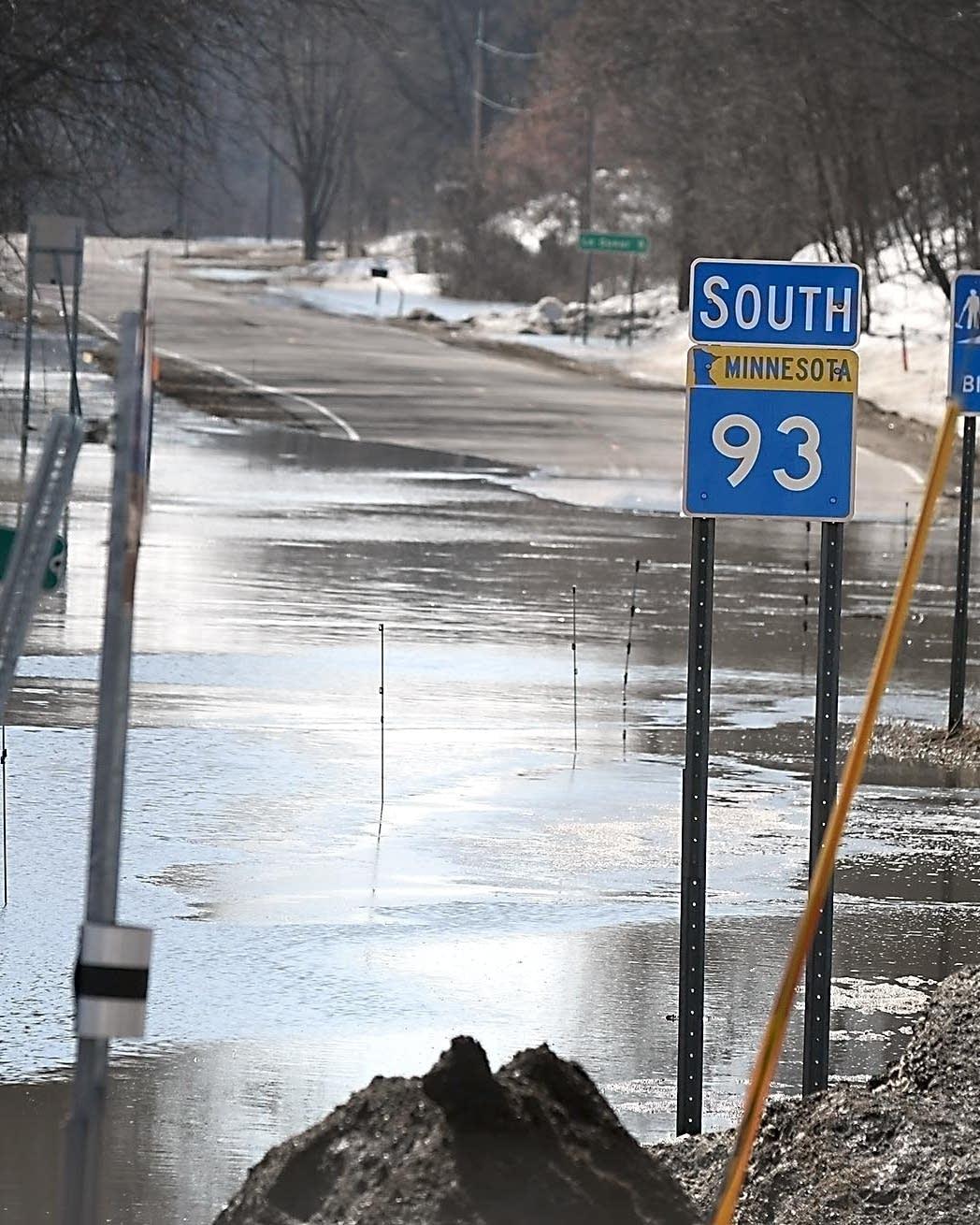 Midweek rains bring second crest on southern Minn  rivers | MPR News