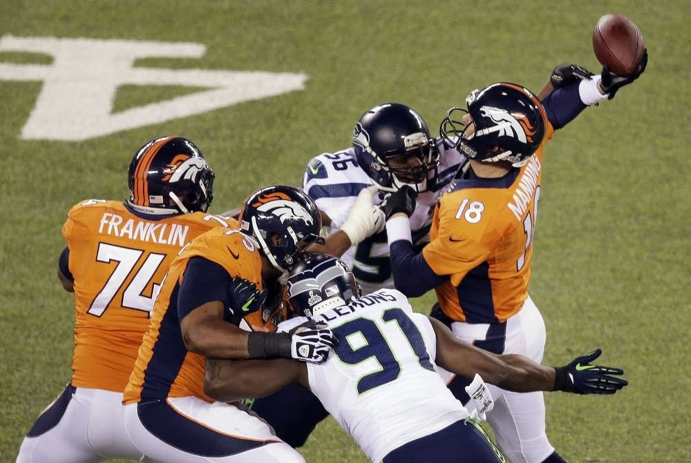 Peyton Manning,Cliff Avril