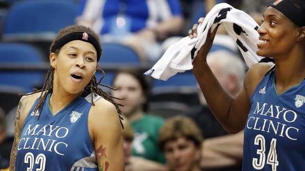 Seimone Augustus (33) and Damiris Dantas (34)