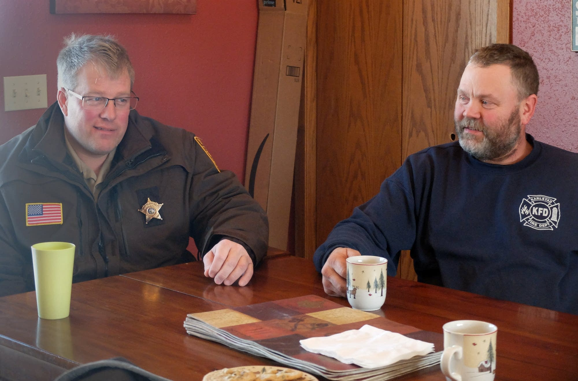 Kittson County Sheriff Steve Porter and rancher Steve Klopp discuss wolves.