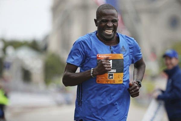 Kenyan Dominic Ondoro wins his third consecutive Twins Cities Marathon.