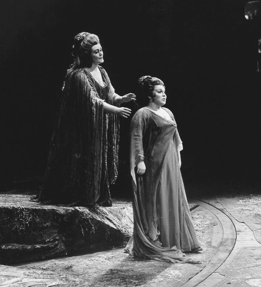 Sutherland in the title role and Horne as Adalgisa