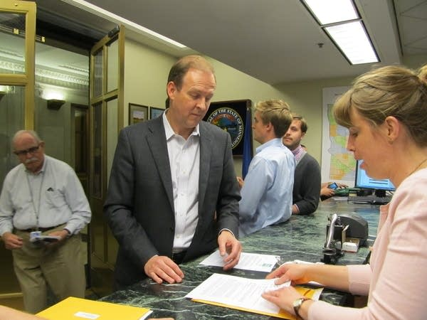 Entenza files for Auditor