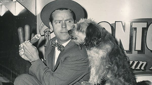 Actor Arthur Lake and Daisy the dog