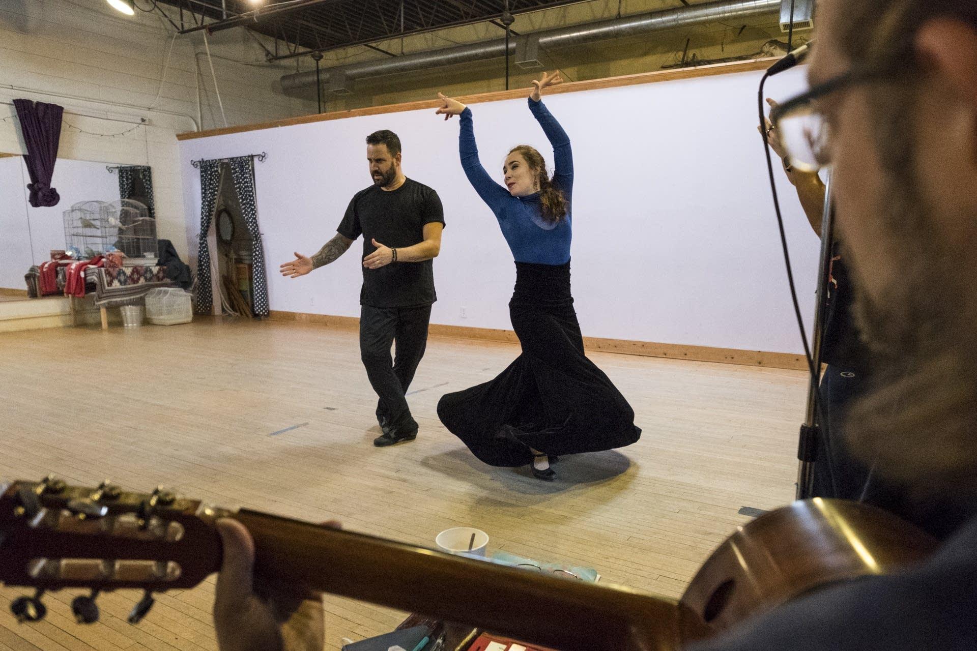 Jeanne d'Arc Casas rehearses with Manuel Gutierrez Cabello.