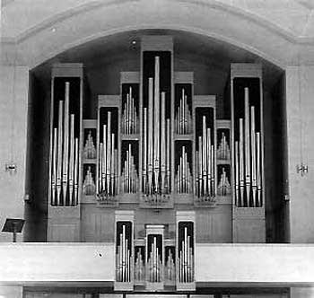 1983 Albiez organ at Pfarrkirche Mutter zum Guten Rat,...
