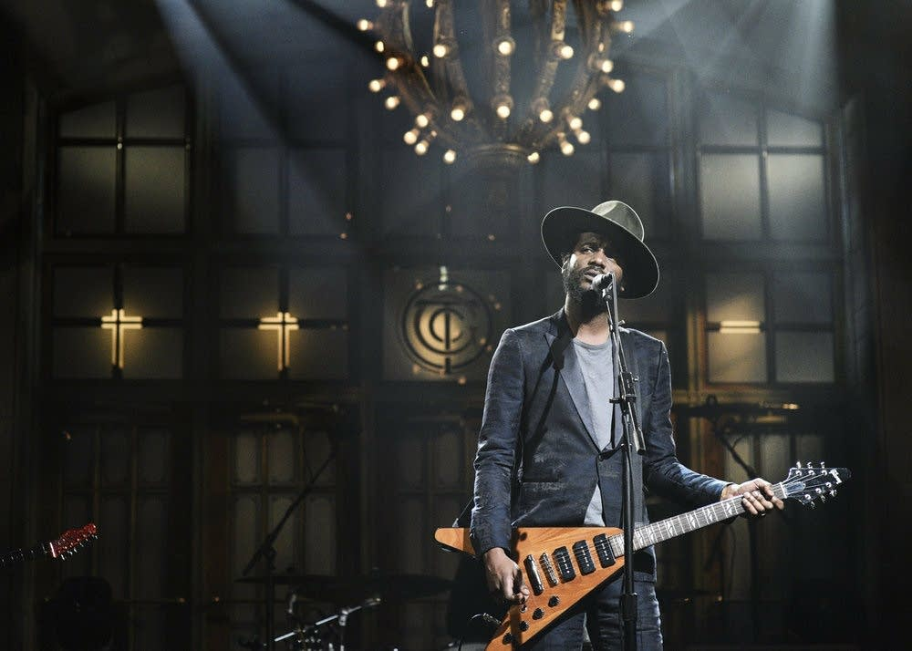 Gary Clark Jr. performs on 'Saturday Night Live'