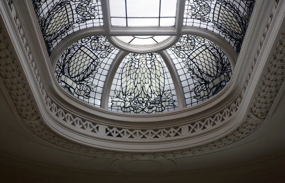 Oval skylight