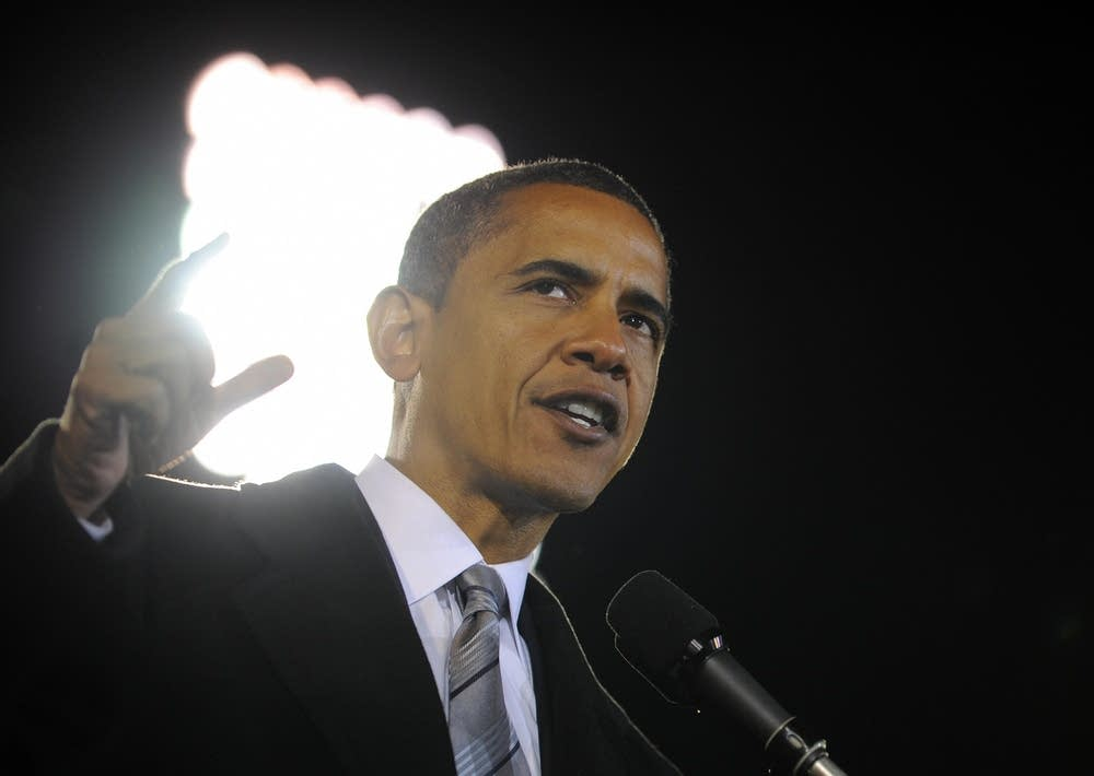 Barack Obama speaks at a rally in Virginia