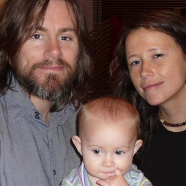 Johnny Irion, Sarah Lee Guthrie, and daughter Soph