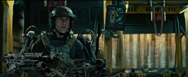 "Tom Cruise in robotic war suit in ""Edge of Tomorrow"""