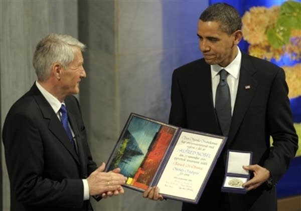 Obama receives peace prize