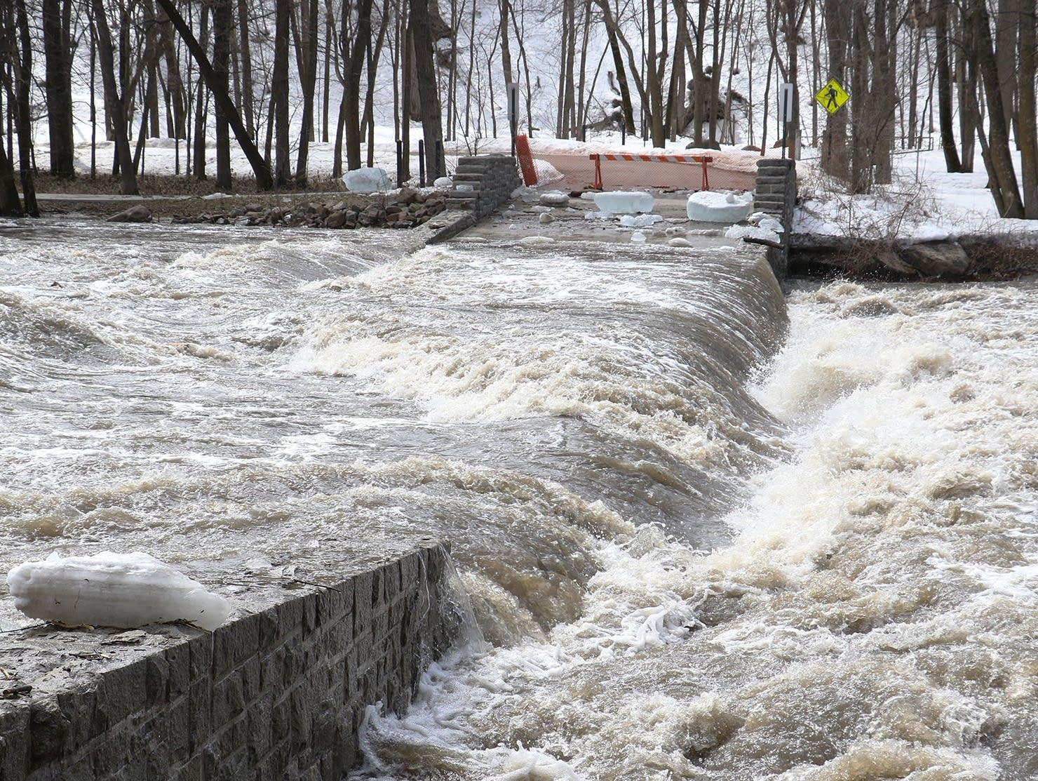 Redwood River in flood stage