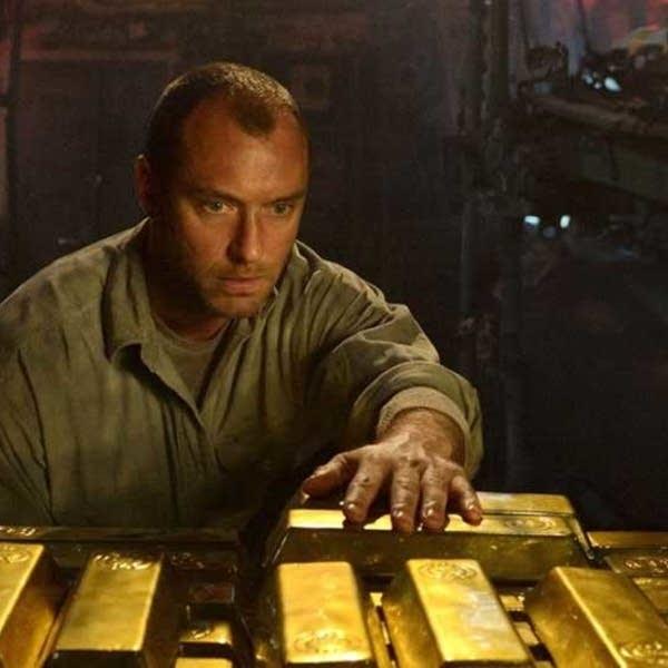 Jude Law stars in 'Black Sea'