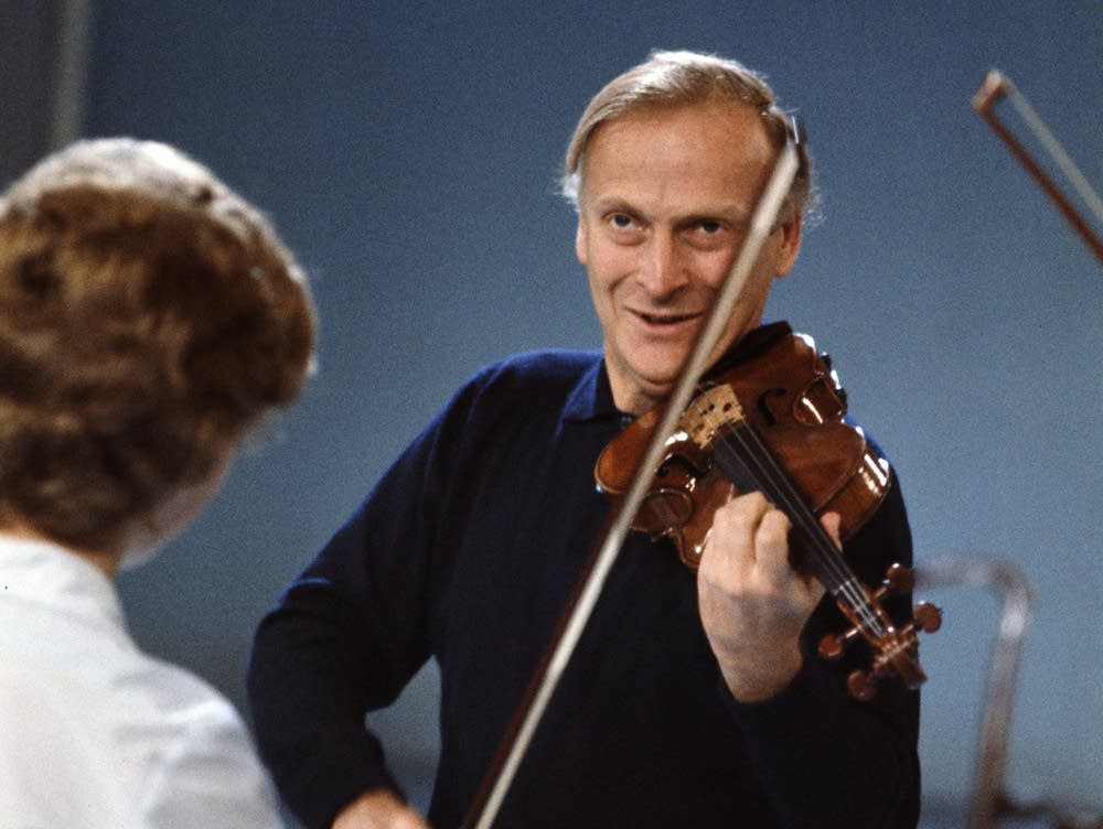 Menuhin teaching a masterclass