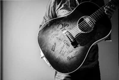 C693f7 20140418 g love guitar 2
