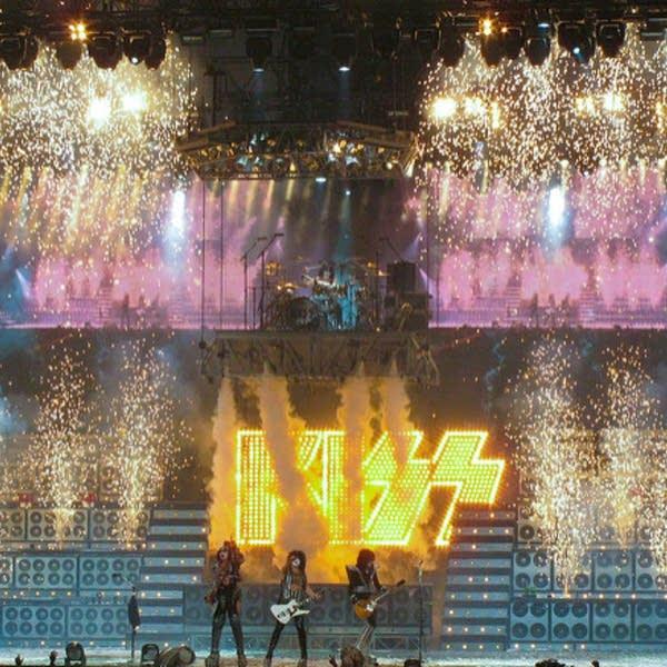Kiss on Fire