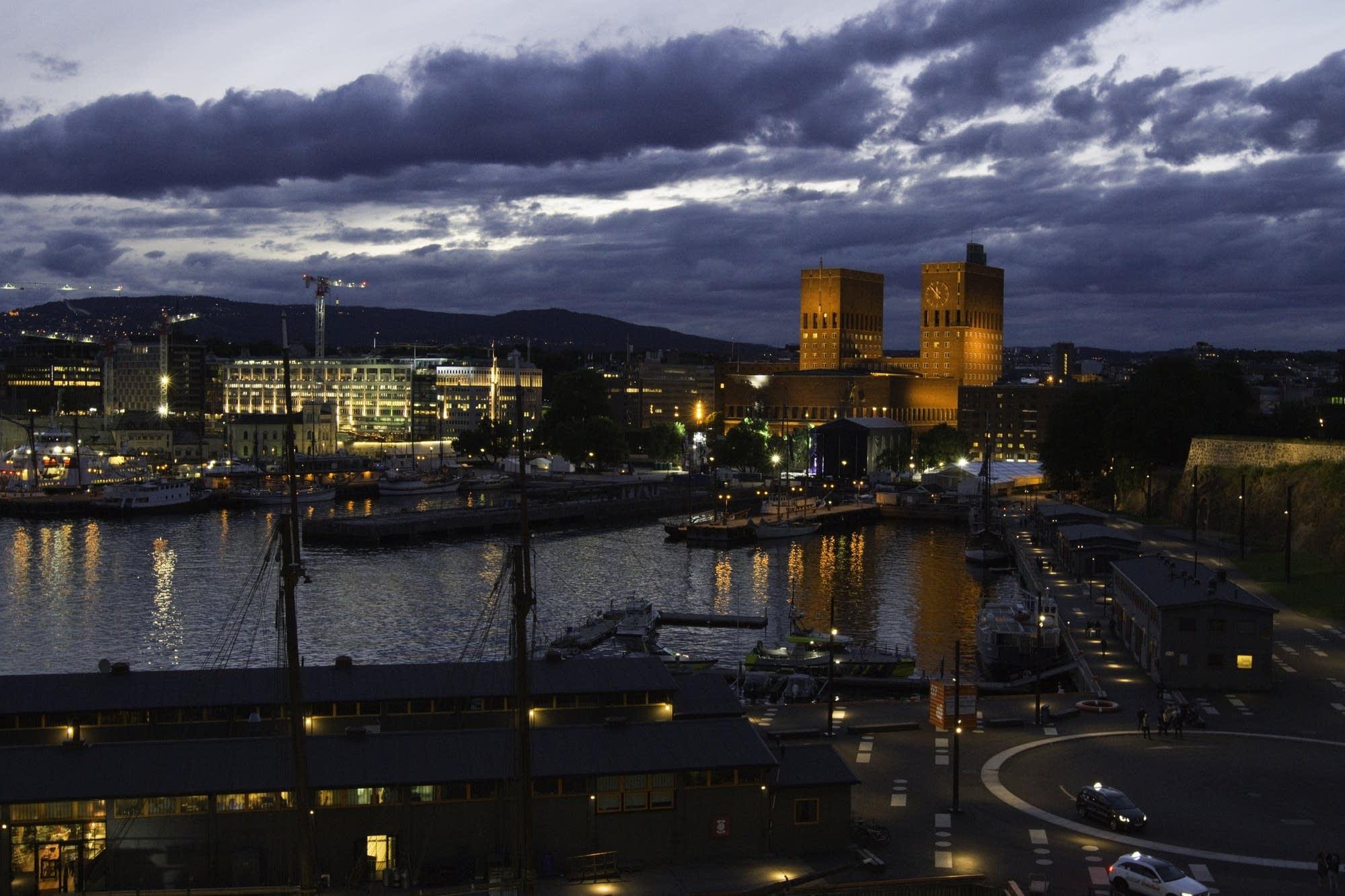 Oslo - 35 - Oslo at night