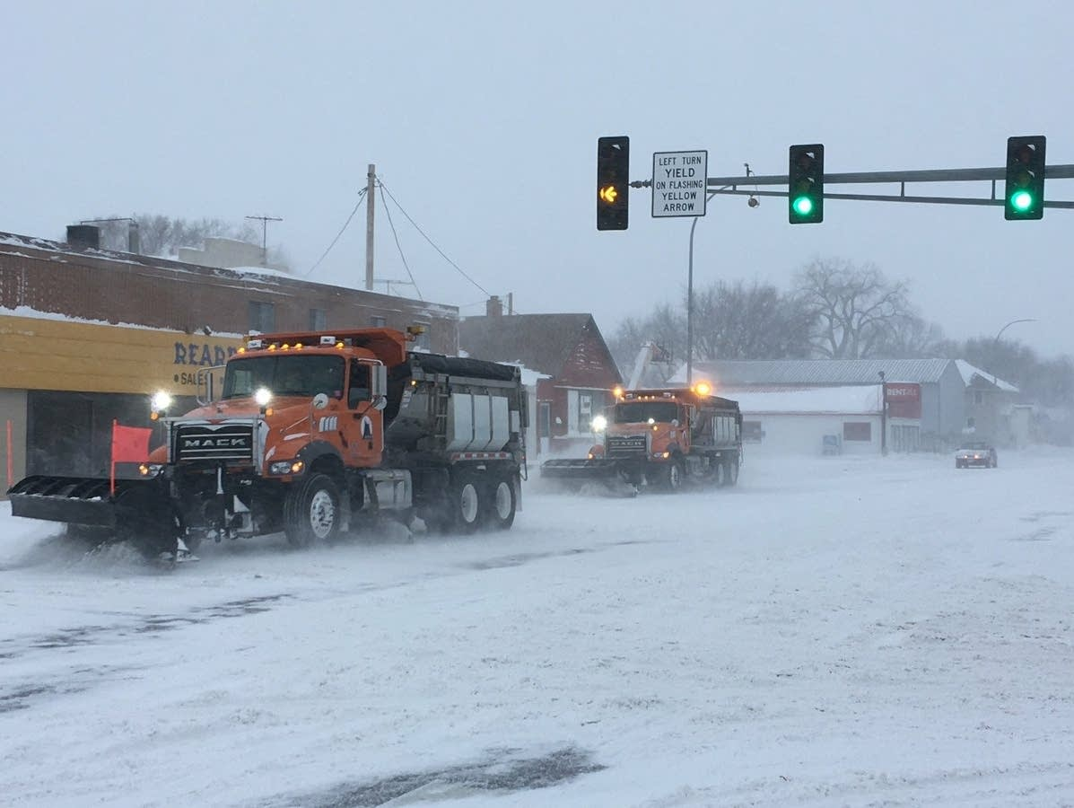 Plows try to keep roads clear in Moorhead
