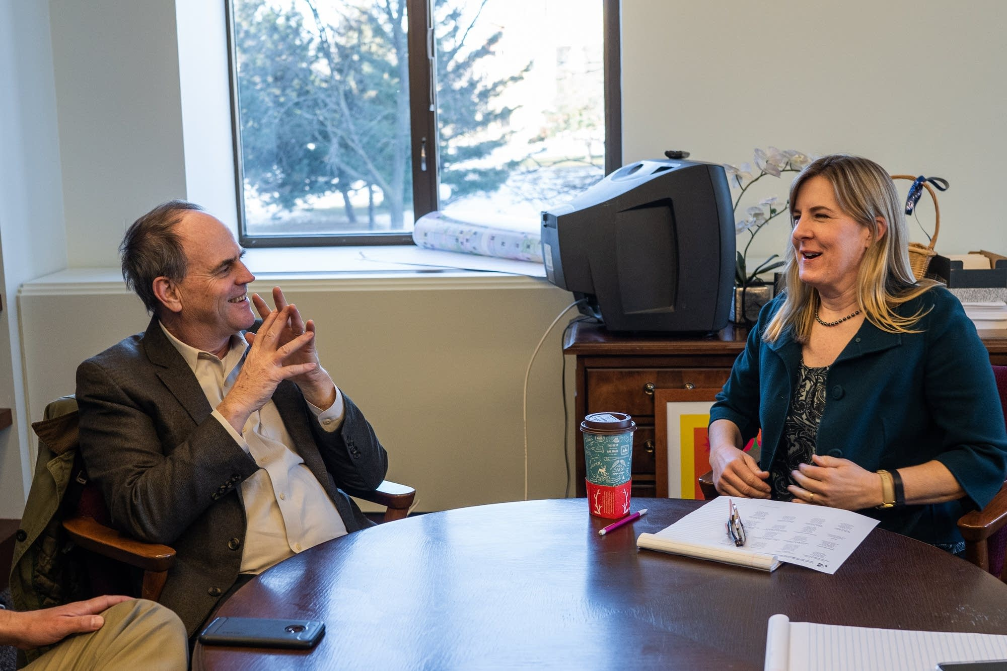 Rep. Hortman meets with Fresh Energy executive director Michael Noble.