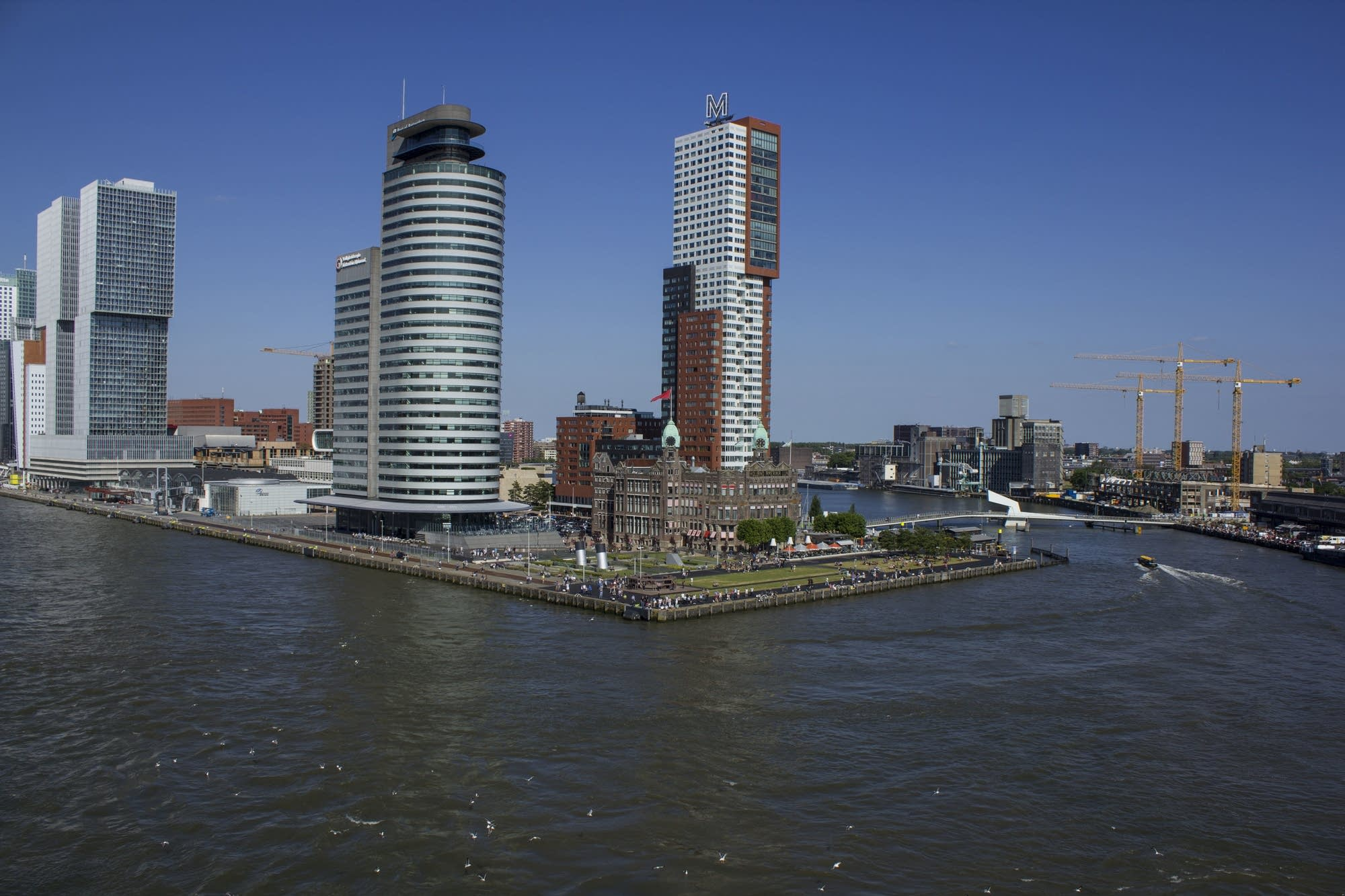 Leaving Rotterdam - city