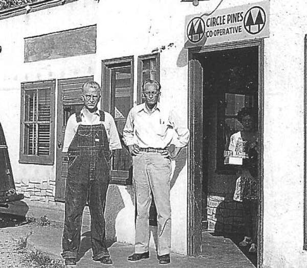 Circle Pines Cooperative, 1946