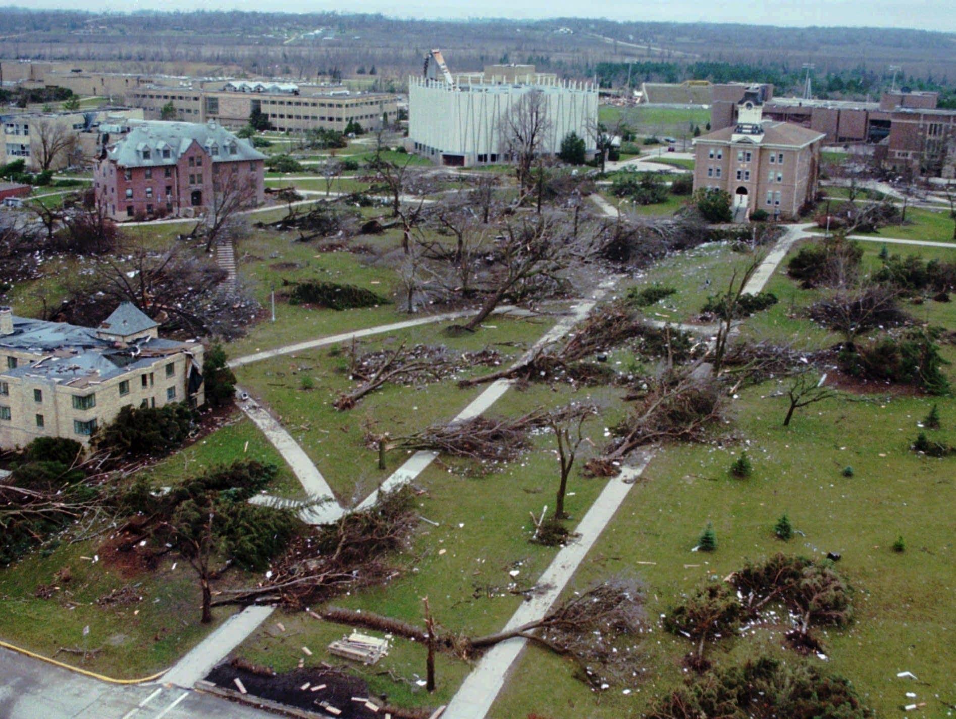 St. Peter tornado, 1998