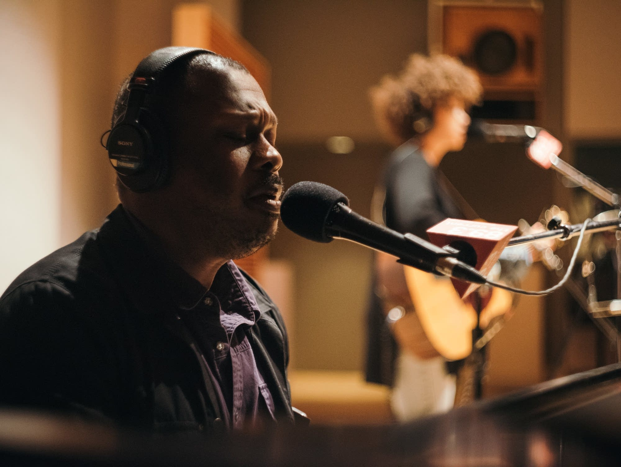 DeVon Gray performs in The Current studio with Chastity Brown