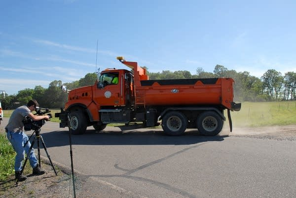 Dump truck leaves Wetterling search site