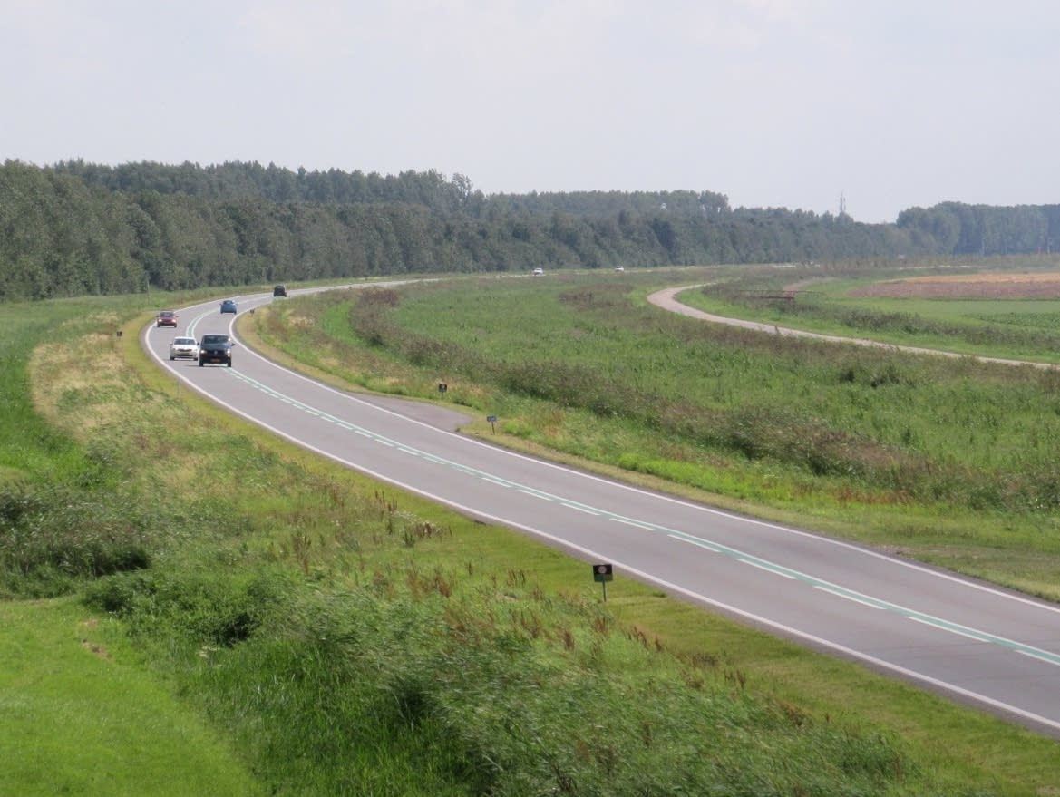Roadway N301-1 in the Netherlands.