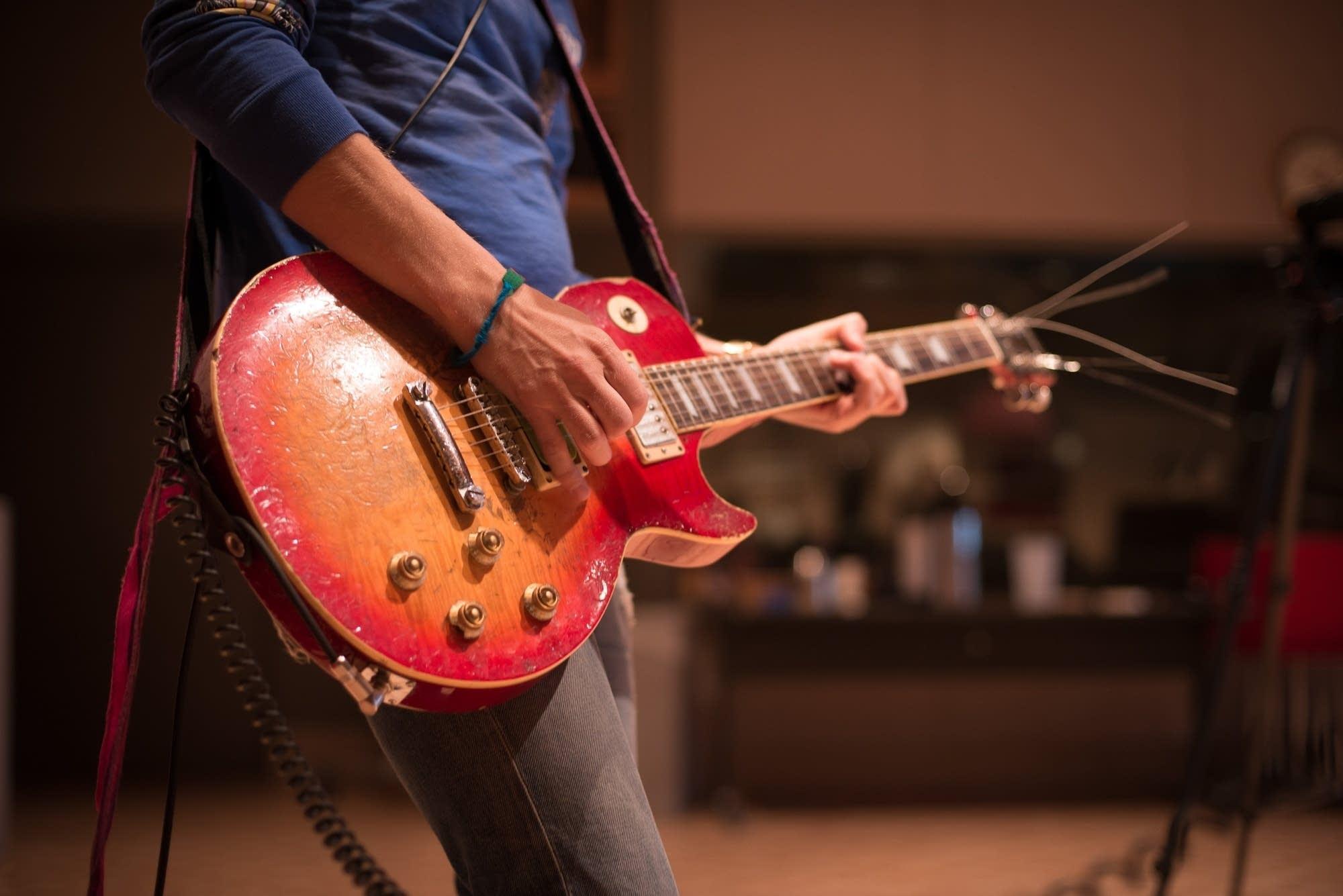 Wells' guitar