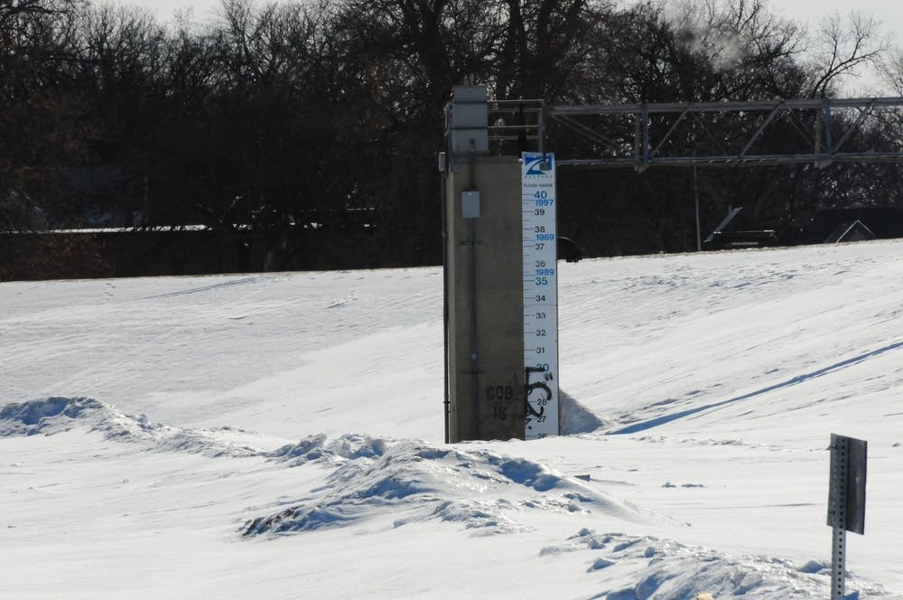 Flood gauge