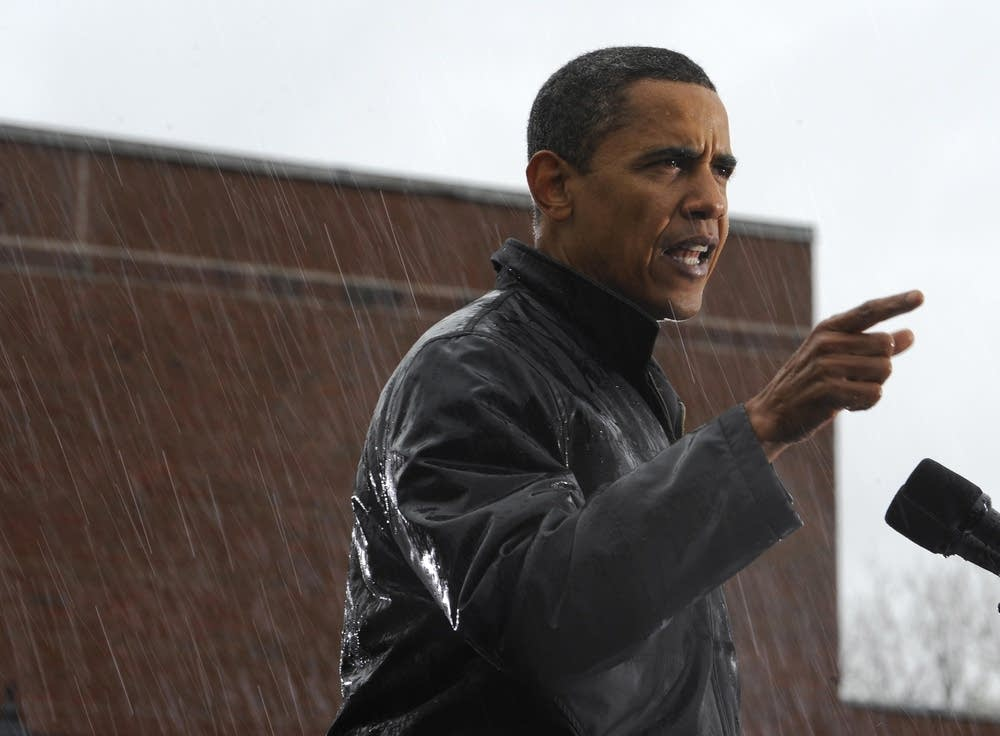 Barack Obama speaks in the rain in Pennsylvania