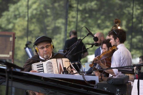 Richard Dworsky on accordion.