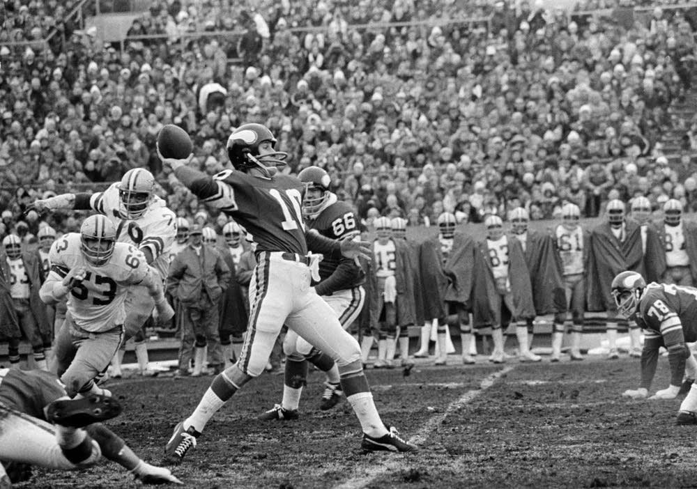 Minnesota Vikings quarterback Fran Tarkenton