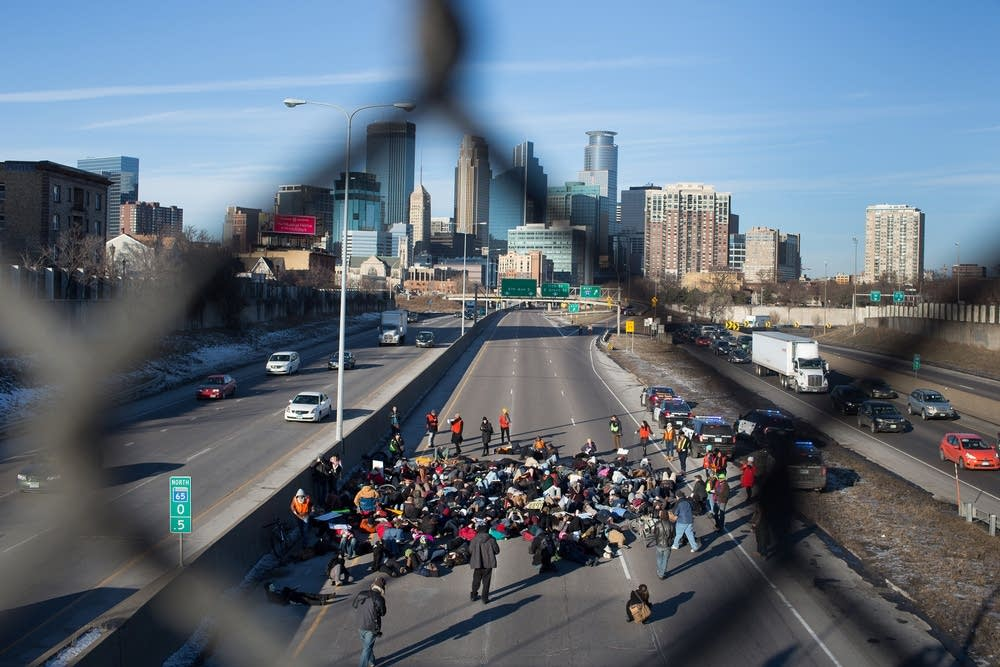 The group laid down on I-35W