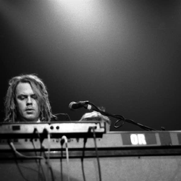Jay Bennett in Wilco, New Year's Eve show, Chicago