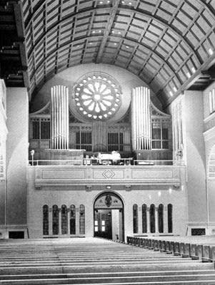 1938 Kilgen organ at Saint Robert's Church, Shorewood, WI