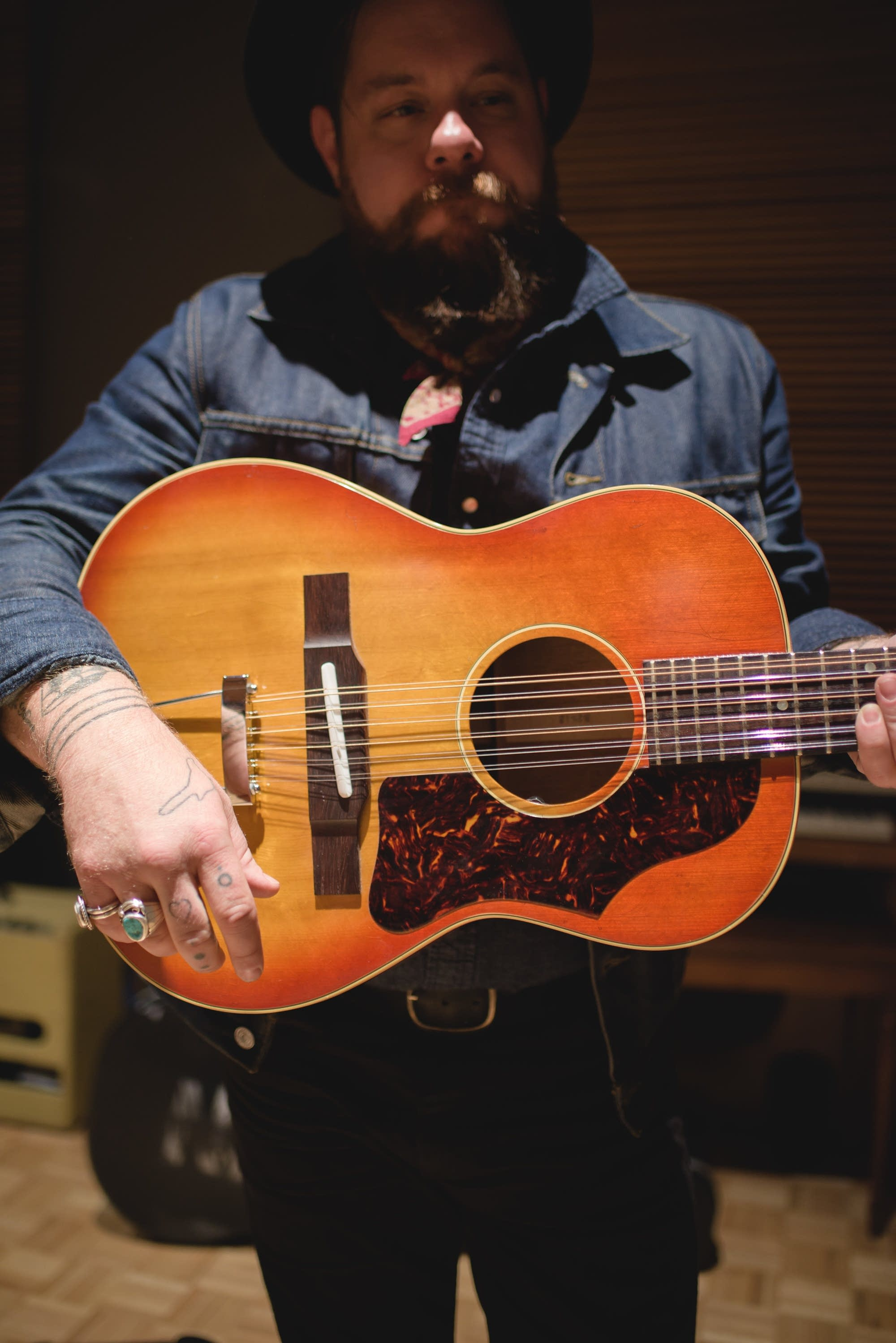 Nathaniel Rateliff, Gibson B-25 12 string 2