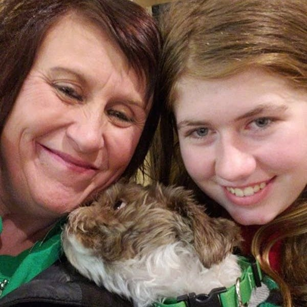 Jayme Closs (right) with her aunt, Jennifer Smith