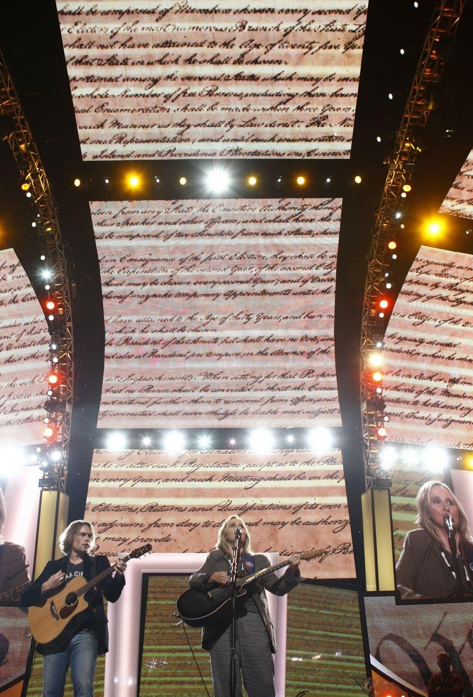 Melissa Etheridge performs at the DNC