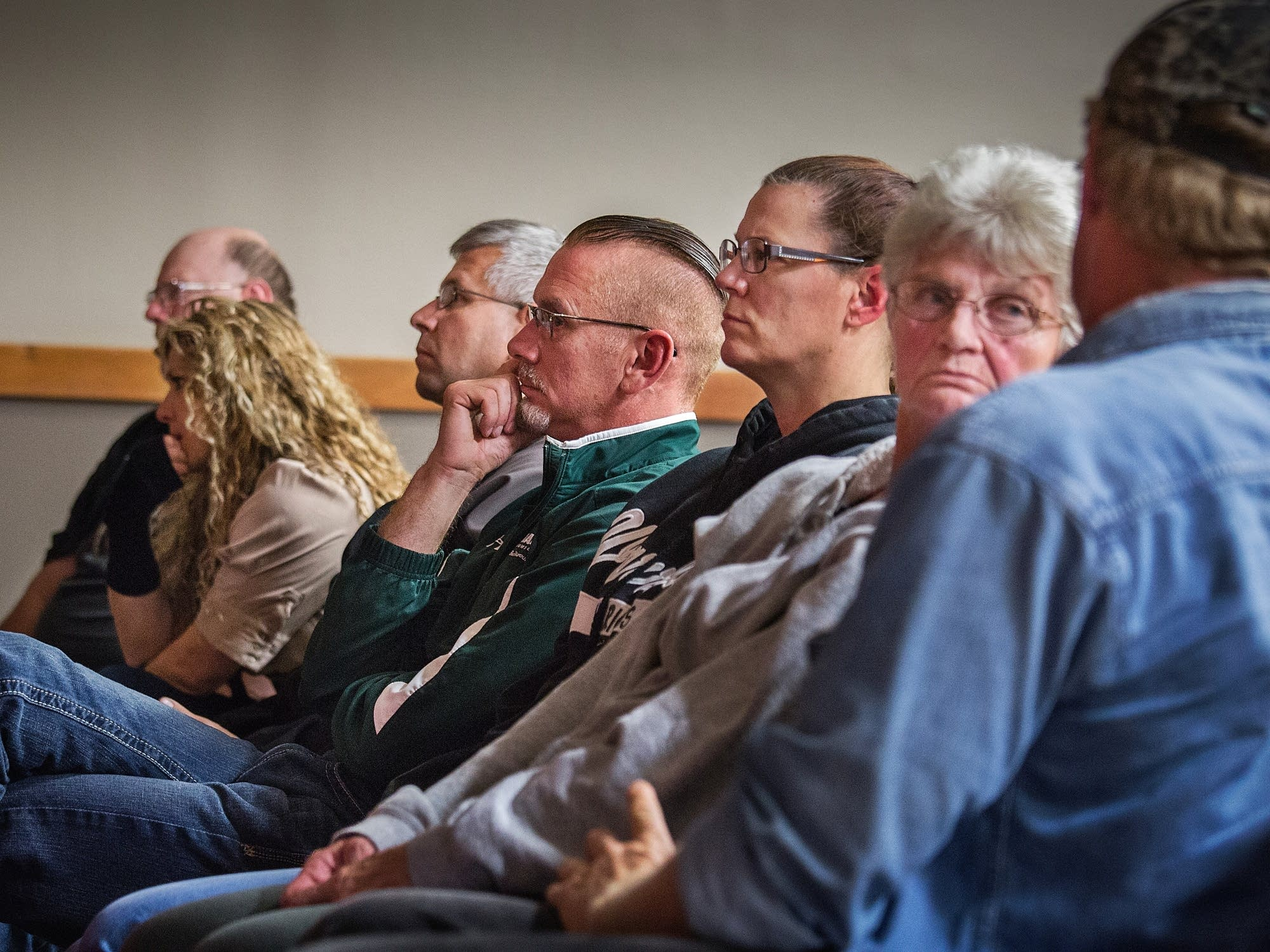 warroad muslim The spread of islamophobia via the christian right  about 120 people filled the warroad baptist church to hear former fbi agent john guandolo warn them about what he calls the threat of islam.