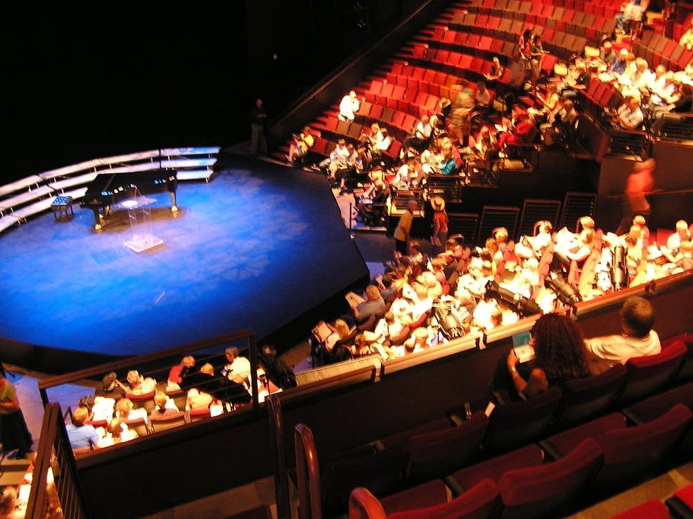The Guthrie thrust stage
