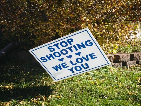 A sign outside of Sa'Lesha Beeks' home.