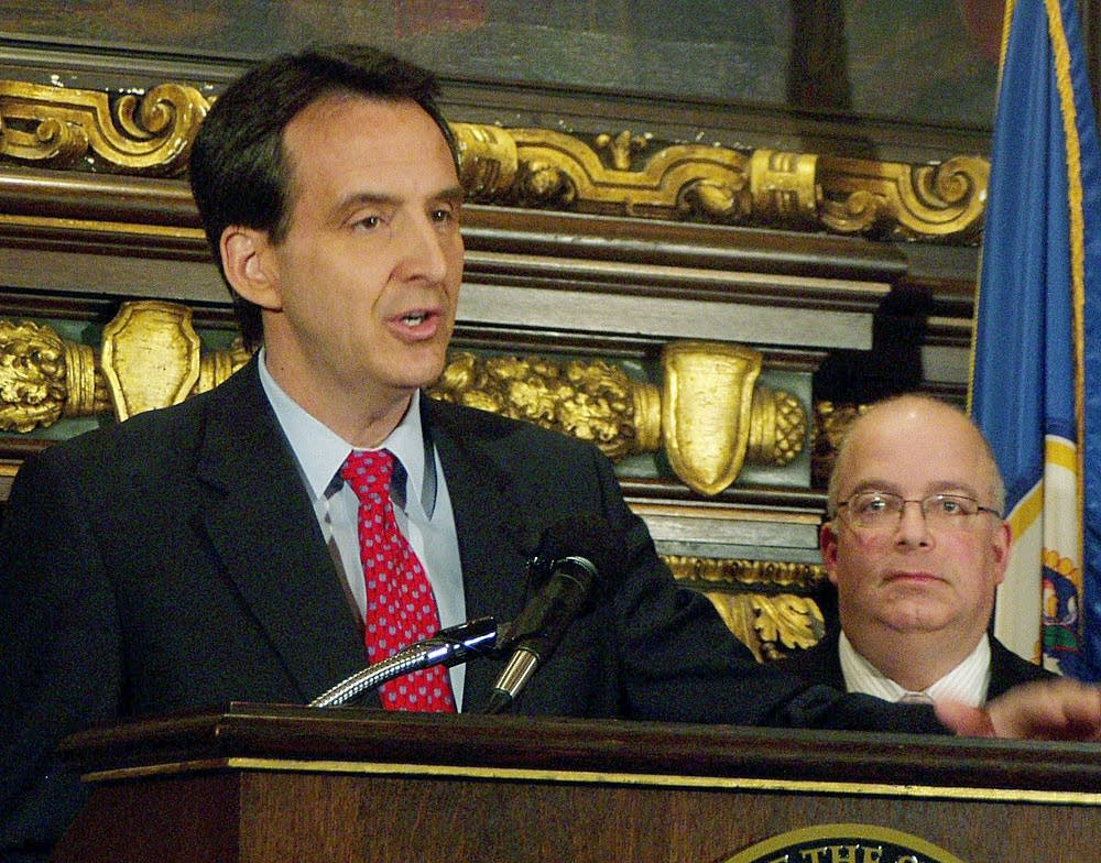 Pawlenty announces budget plan