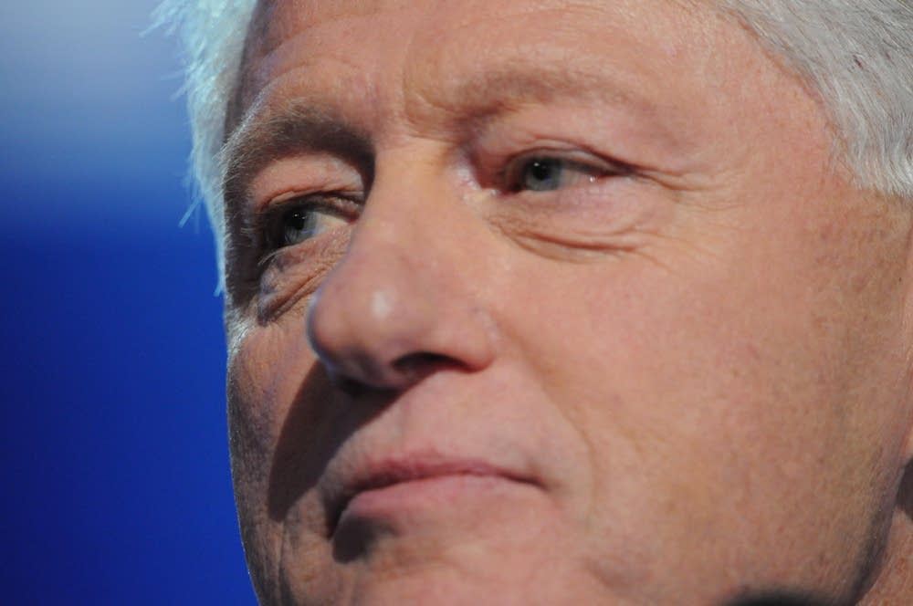 Bill Clinton endorses Obama for U.S. president