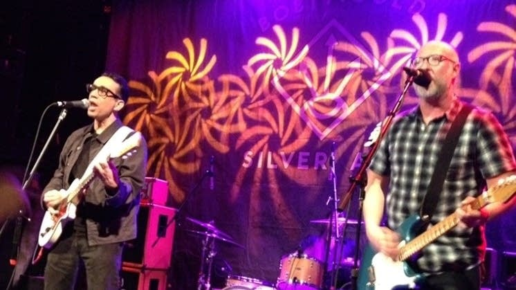Fred Armisen performing with Bob Mould