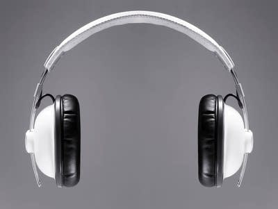 The ultimative white headphones